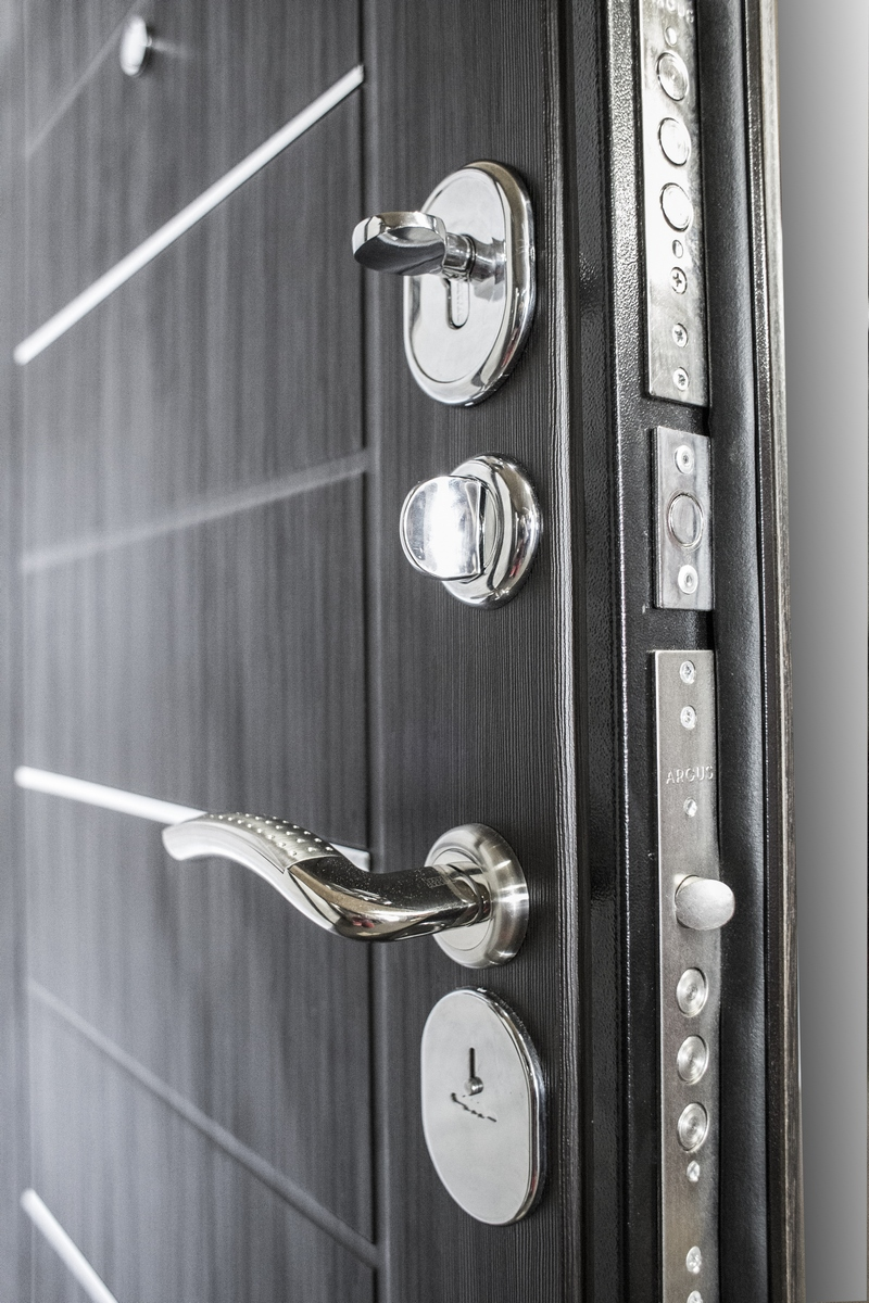 двери металлические однопольные глухие с полимерно порошковым покрытием