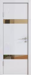 Межкомнатная дверь 502 белый глянец зеркало бронза