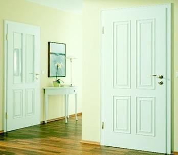 теплые входные двери белого цвета